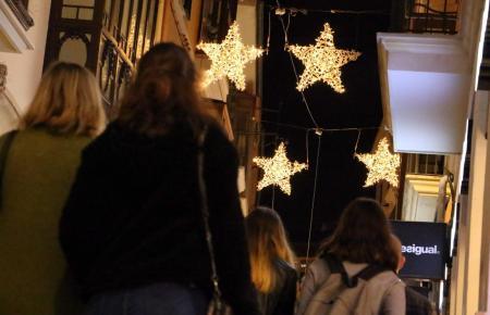 Das Einschalten der traditionellen Weihnachtsbeleuchtung in Palma zieht jedes Jahr zahlreiche Besucher an. In diesem Jahr findet