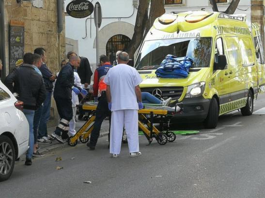 Das Mädchen wurde in ein Krankenhaus eingeliefert.