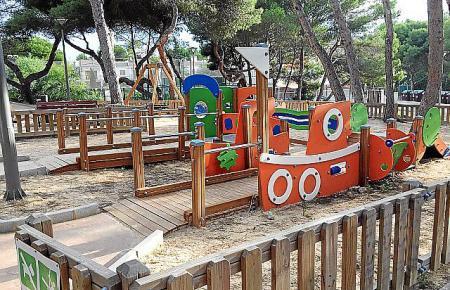 Der Spielplatz ist für Kinder von zwei bis sechs Jahren ausgelegt