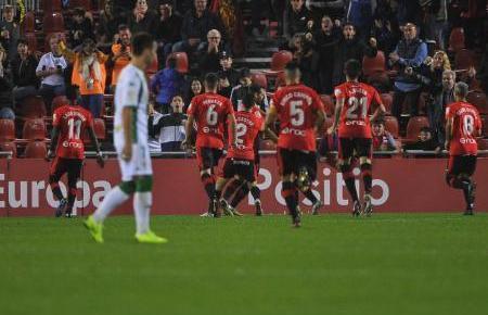Das rote Feuer brennt: Real Mallorca in Aktion.