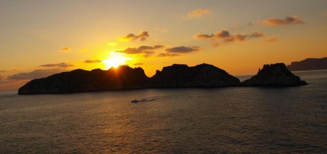 Schöne Sonnenauf- und -untergänge können in diesen Tagen bequem beobachtet werden.