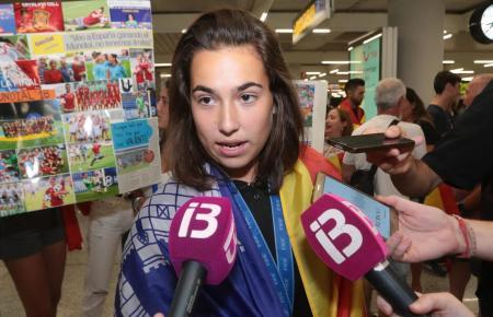 Cata Coll bei ihrer Rückkehr von der U-20-WM nach Palma im August.