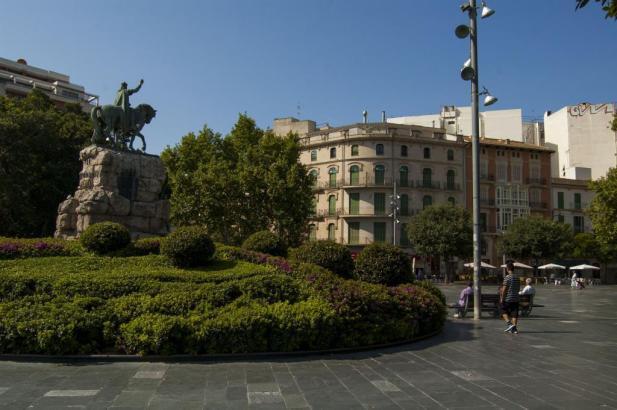 Blick auf die Plaça d'Espanya, die sich neben der Porta Pintada befindet.