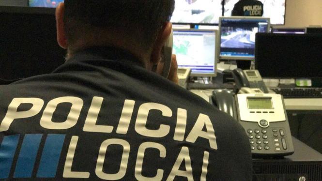 Lokalpolizist bei der Arbeit.