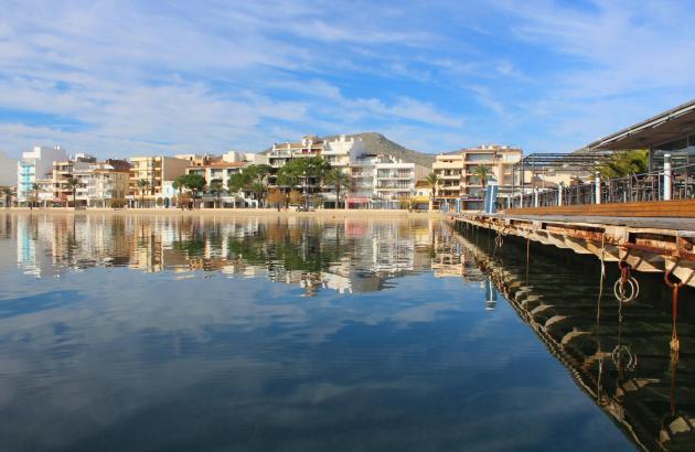 Still ruht das Meer: Voilà, Port de Pollença!