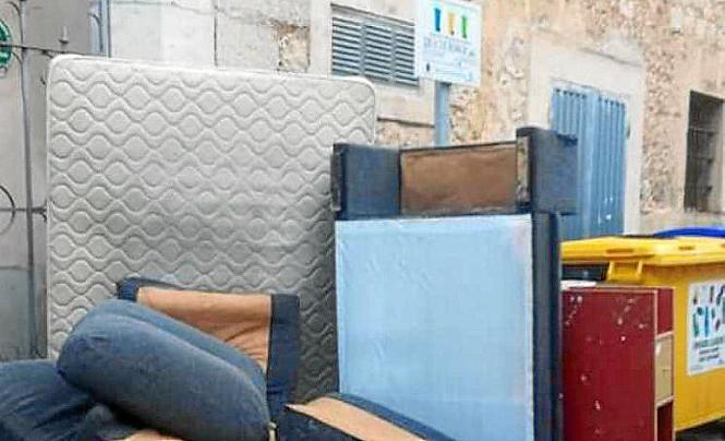 In Sóller klagen Anwohner regelmäßig über am Straßenrand abgestellten Müll..