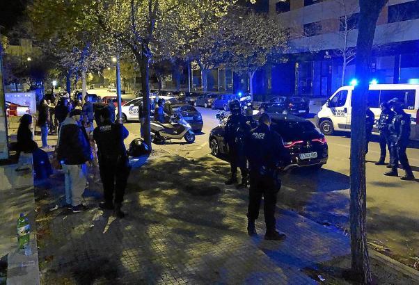 Die Polizei rückte in großer Zahl an.