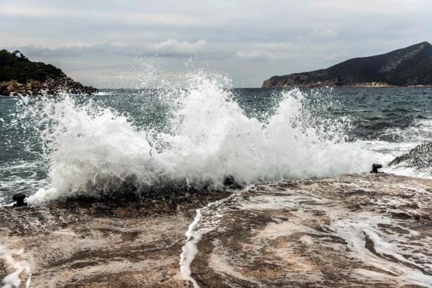 Hart klatschten die Wellen besonders an die Nordküste.