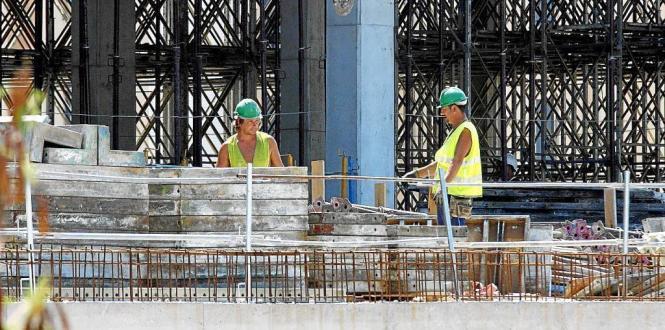 Das Business läuft: Bauarbeiter auf Mallorca.
