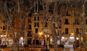 Weihnachtsbeleuchtung am Passeig des Born