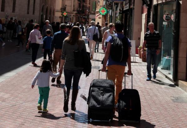 Touristen im Zentrum von Palma.