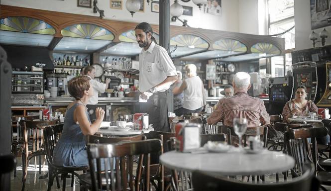 Vor allem die traditionellen kleinen Bars auf Mallorca haben es laut Arbeitgeberverband schwer, überhaupt zu überleben.