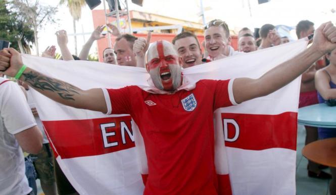 Nicht nur während großer Fußballturniere zeigen Engländer in Magaluf gerne Flagge.