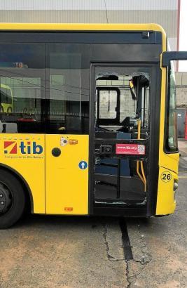 Der Bus nach dem Zwischenfall.