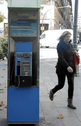 Kaum genutzt: Öffentliches Telefon in Palma.