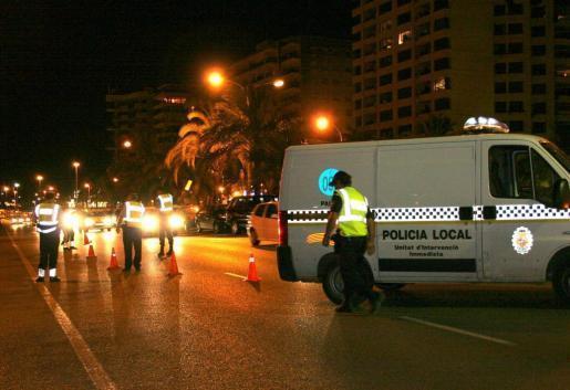 Die Polizei musste am Samstagnacht an Palmas Paseo Marítimo für Ordnung sorgen.