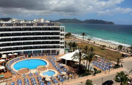 Unter der Marke Allsun betreibt Alltours auf Mallorca 26 eigene Hotels, zum Beispiel das Allsun Sumba in Cala Millor.