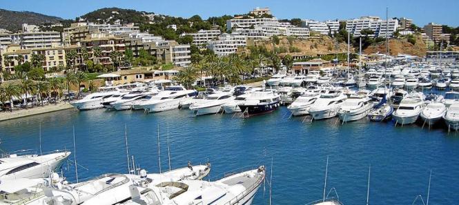 Blick auf den Hafen Puerto Portals.