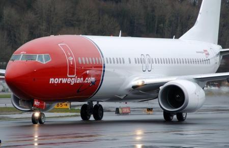 Blick auf einen Norwegian-Flieger.