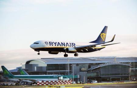 Landender Ryanair-Jet.