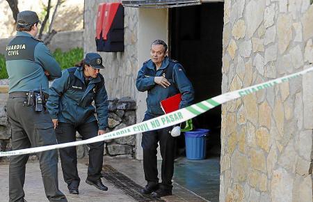 Die Guardia Civil ermittelte am Fundort der Leiche.