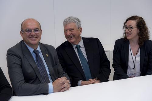 Palmas Stadträtin Joana Maria Adrover mit den Kollegen aus Las Palmas und La Palma.