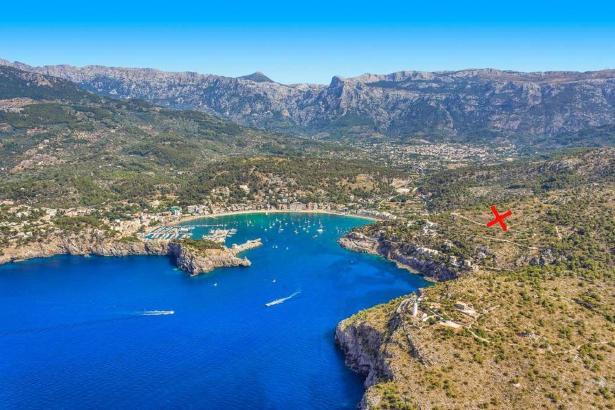 """Die geplante Siedlung """"La Muleta II"""" liegt oberhalb des Hafens von Sóller (rotes Kreuz)."""