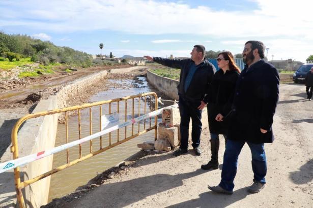 Die balearische Ministerpräsidentin Francina Armengol und Umweltminister Vicenç Vidal besichtigten am Donnerstag den Torrente Be