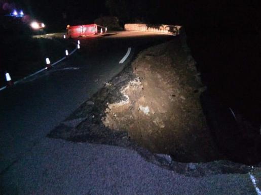 Zum Glück wurde kein Autofahrer von dem Loch überrascht ...