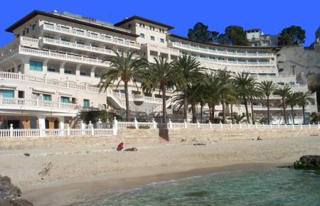 Das Hotel Nixe Palace in Calamajor.