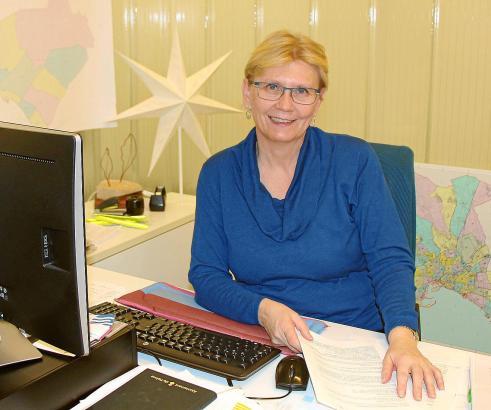 Mit drei Mitarbeitern setzt sich Anna Moilanen für die Rechte der Insulaner ein, auch Residenten und Touristen wird geholfen.