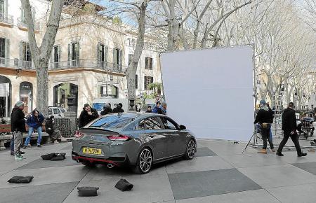 Der Hyundai Fastback i30 N steht bei den Dreharbeiten auf dem Borne im Mittelpunkt.