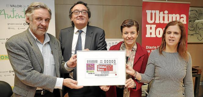 Miquel Serra (Ultima Hora), Josep Vilaseca (Once), Carmen Serra (Ultima Hora) und María del Carmen Soler (Once) präsentieren das