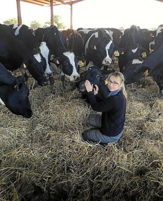 """Joana Mascaró sagt: """"Die Arbeit mit Kühen ist anstrengend."""""""