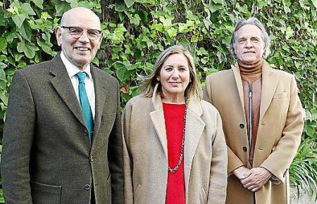 Das Foto zeigt von links nach rechts Rafael Xamena (Gründer der Vereinigung), Juana Prohens und Michael Lehmann.