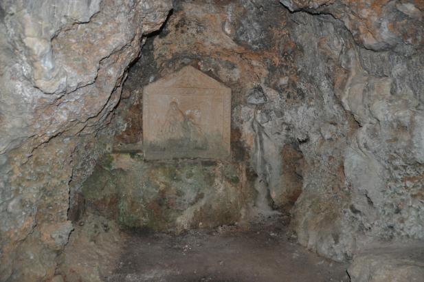 In den 1270er Jahren soll Ramon Llull sich mehrere Monate in die Höhle zurückgezogen haben.