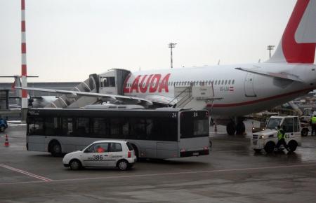 Auf den Flugzeugen der Laudamotion prangt der Schriftzug Lauda.