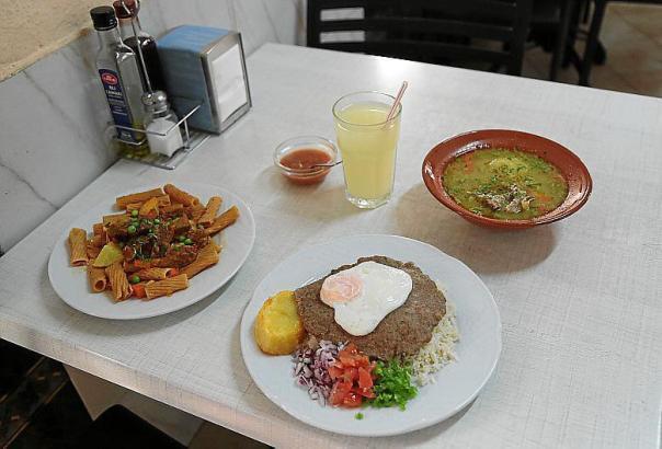Hier kommen bolivianische Spezialitäten auf den Tisch.