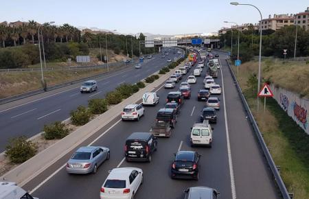 Ab 2050 sollen auf Mallorca nur noch Elektroautos unterwegs sein.