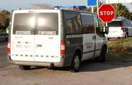 Fahrzeuge der Guardia Civil im Einsatz.