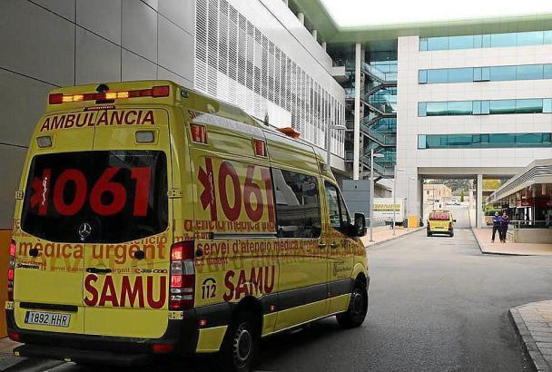 Der Fünfjährige wird nach dem Zusammenstoß mit einem Auto im Krankenhaus Son Espases in Palma behandelt.