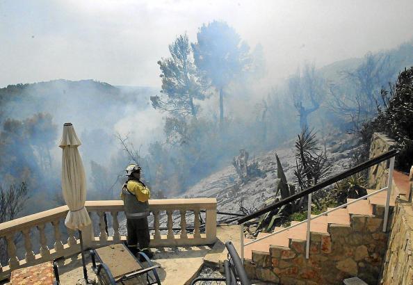 Die Aufnahme zeigt ein Wohnhaus bei Es Capdellà, dort hatte es 2012 einen Waldbrand gegeben.