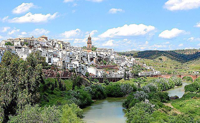 Malerische Städte wie Montoro, die das Flussufer des Guadalquivir säumen, sind bereits seit der Antike bewohnt.