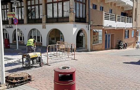 Ausbesserungsarbeiten auf dem Bulevar in Peguera.