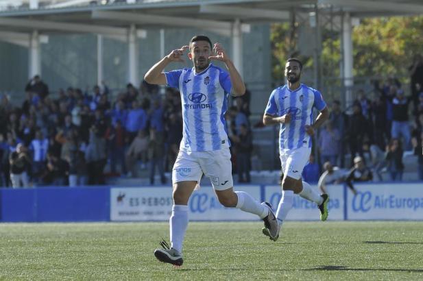 Spieler von Atlético Baleares in Aktion.