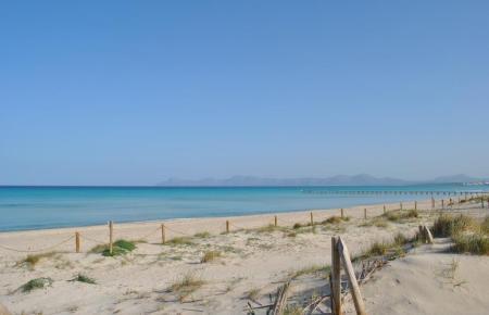 Die Playa de Muro ist auch bei Urlaubern sehr beliebt.