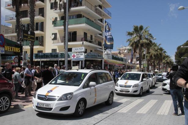 Taxis an der Playa de Palma.