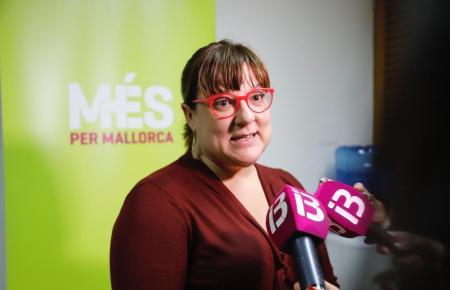 Die balearische Tourismusministerin Bel Busquets (Més), die die Inseln derzeit bei der Reisemesse ITB in Berlin vertritt, zeigte