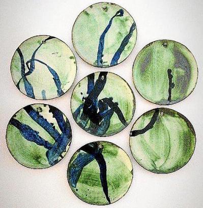 """""""Oktopus verde"""" hat der französische Künstler Houria! diese Serie von sieben Tellern genannt."""