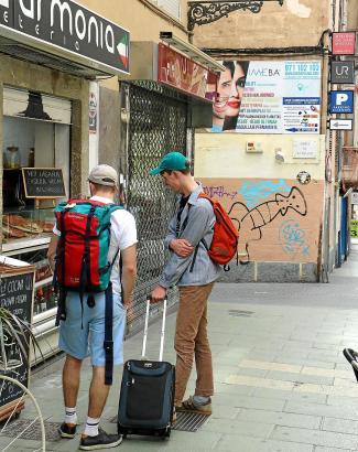Besonders bei jungen Leuten ist es beliebt, sich eine Ferienwohnung mitten im Zentrum von Palma zu mieten.